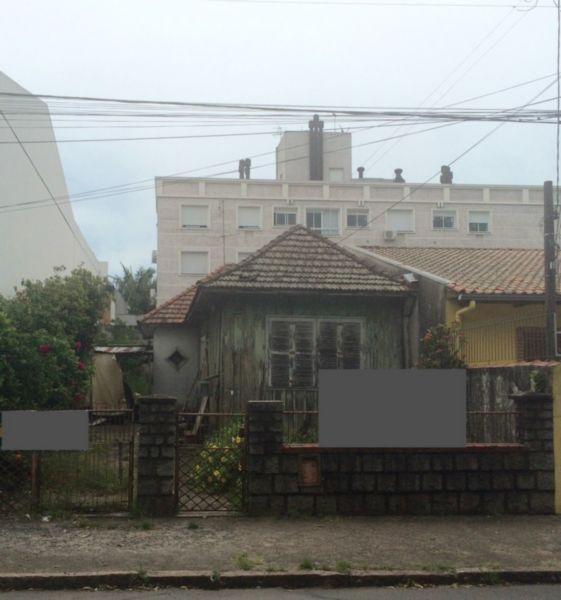 Terreno com excelente localização, a 2,5 quadras da Av. Assis Brasil, medindo 8,80m x 30m. Excelente para construção.