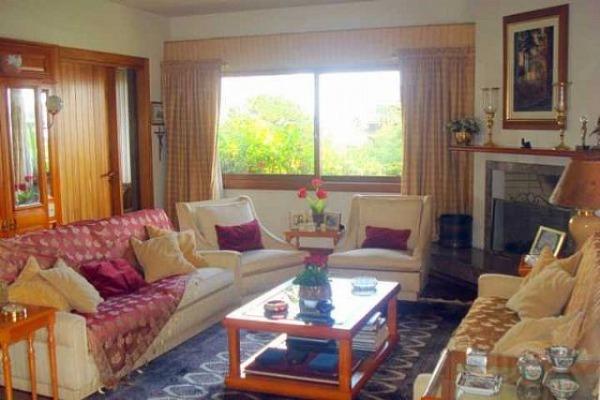 Excelente Cobertura com 461m², living 3 ambientes em taboão,piscina com deck, vista para o Guaiba,terraço com jardim, jardim de inverno. Um apto. por andar.
